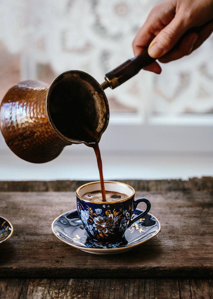 Cafea la ibric / Silviu Tolu/ Monday's Moodboard